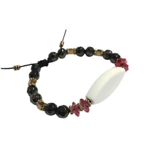 Bracelet perles noir et rose personnalisable