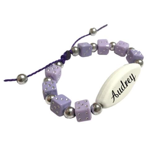 Bracelet prenom perle violet personnalisable